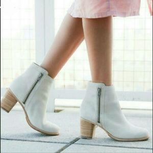 Frye Addie Double Zip Boots Sz 9 NWOT